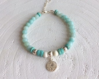 Bracelet with Amazonite beads, 925 sterling silver beads, 925 sterling silver bead and a sterling silver clasp.