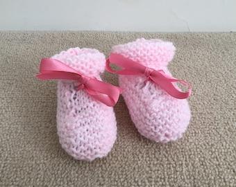 baby booties, handmade baby booties, knitted baby booties