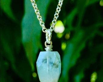 Stylish Aquamarine Gemstone Necklace!