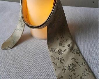 Aquascutum of London Men's Neck Tie -Gold and Navy - Vintage Silk Tie - 90s Neck Tie