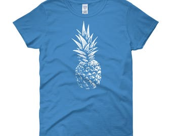 SKULLCAP Women's Short Sleeve Pineapple T-Shirt White Distressed Pineapple Choice of 10 T-Shirt Colors Up To 3XL Women's Pineapple Top, Tee