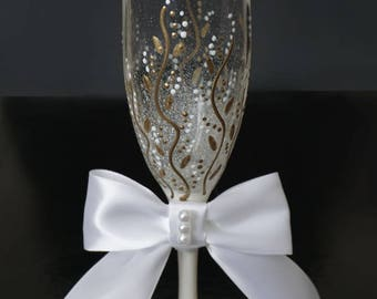 Personalized Champagne Flutes,Cute Wedding toasting glasses, Royal Toasting flutes for bride  groom, Wedding glass