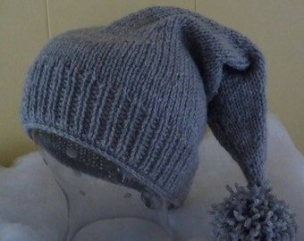 Long tail acrylic pom pom winter hat