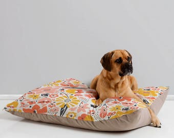 Dog Bed // Animal Pillow // Pet Bedding // Dog Pillow // Modern Pet Bedding // Betty Design // Floral Dog Bed // Pink // Home Decor // Pets