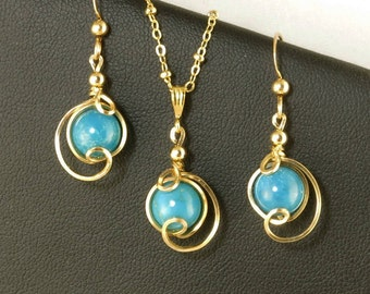 Turquoise Gemstone Gold Jewelry Set, Unique Gold Wire Wrapped Turquoise Drop Pendant Chain Necklace and Earrings Gift Set For Her
