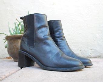 Vintage Womens 6 Hillard and Hanson Casual Monika Ankle Boots Black Leathe Pull on Biker Combat Boots Boot 80s 90s Classic Hipster Fashion