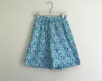 1990s violet and mint floral high waisted cotton shorts - size medium