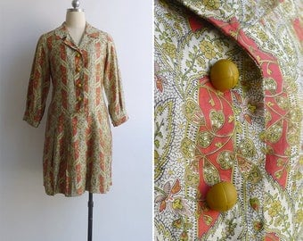 10-25% OFF Code In Shop - Vintage 70's 'Summer Salad' Coral Pink & Yellow Paisley Floral Dropwaist Dress S or M