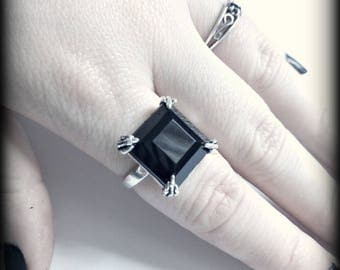 Gothic antique silver plated claw and black stone square ring