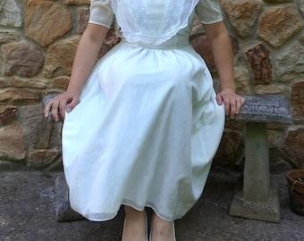Gunne Sax dress, 1980s white on white floral print cotton and lace dress, prairie dress, boho dress, vintage, white, small, 80s, lace dress