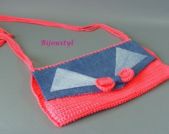 """Handbag """"Hook and recycled Jeans"""" color coral and blue jeans"""