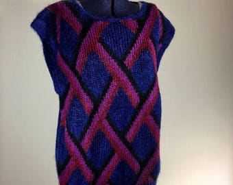 Oversized 80s / 90s Pullover Cap Sleeve Knit Graphic Print Wool Sweater Vest in Royal Blue, Burgundy, Wine and Black, Size L