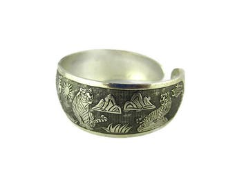 Chinese Tiger Bracelet / Asian Silver Tone Cuff Bangle /Etched Black Enamel Bengal Tiger Bracelet/ African Safari  Tiger Jewelry