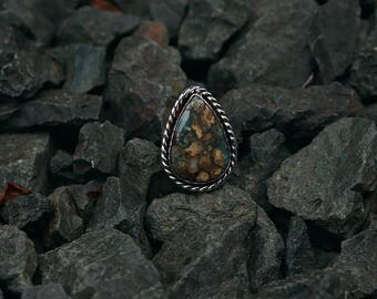 Sterling Silver Seven Dwarf Turquoise Chalcosiderite Statement Ring with Rope Detail Size 7.25 Split Shank