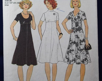 1970's Woman's Dress Sewing Pattern in Size 18-20 - Simplicity 7309