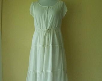 Vintage White Dress, Elegant dress, Summer dress, Airy white dress, Airy dress, Romantic dress, White Flowy dress, White Midi dress, Size L