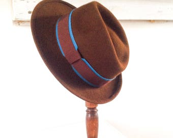 Brown hat for man. Traveler hat non-deformable. Wire medium brim fedora gift for husband and dad . Size 7 1/2