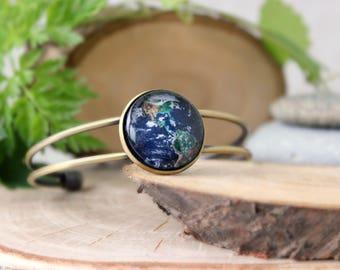 Earth Bracelet, Antique Bronze Bracelet, Glass Cabochon, Planet Earth Bracelet, Galaxy Jewelry