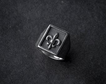 Royal Rectangle Stamp Ring | fleur de lis ring | statement ring | signet ring | silver stamp ring | royal signet ring | sterling silver 925