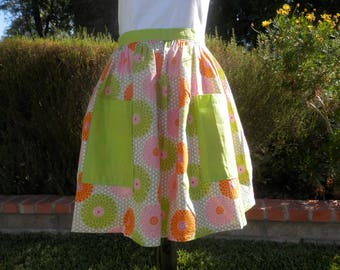 Half apron, Women's apron, Apron with pockets, Pastry Apron, Bakery Apron---  Lime Green, Orange and White pin wheel half apron