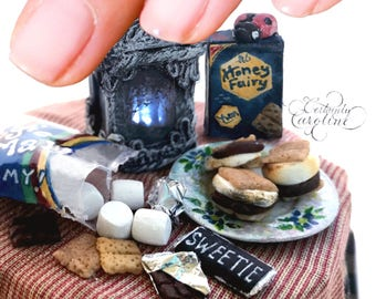 Fairy S'mores Miniature Scene // Realistic polymer clay food, S'mores prep table, hairy dollhouse miniatures, cute food