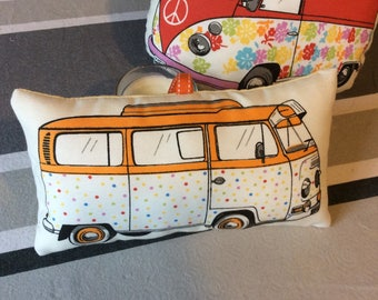 Small coussinou vintage combi surf mobile, cuddly blanket.