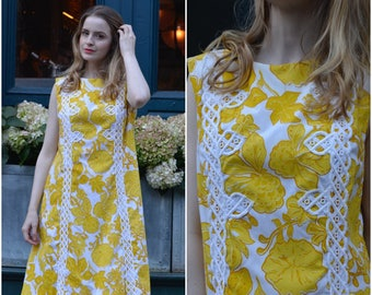 Lord & Taylor Floral Sixies dress | vintage 1960s dress | yellow floral 60s shift dress