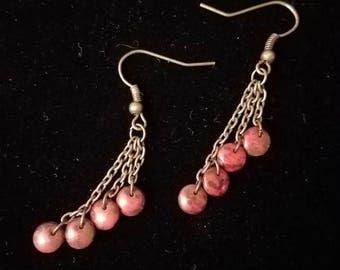 Hanging fan style dangle earrings