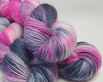 Hand dyed Merino yarn, 4-ply, Sock weight, 100g, GIRLY PUNK, sock yarn, pink,grey, white