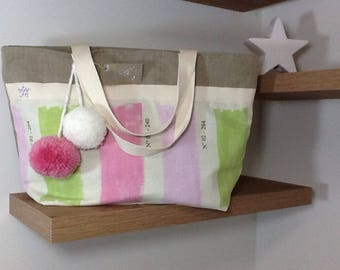 Wool tote bag in linen and pink and green print with tassels