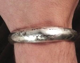 """vintage handmade nativ design, sterling silver 925, bangle, 2.39"""" diameter"""