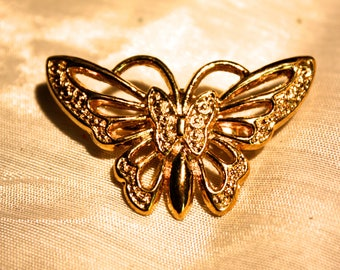 Butterfly Brooch - Vintage,  Gold Tone Filigree