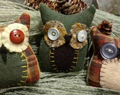 Primitive Hoot Owl Trio bowl fillers, shelf tucks, ornies. Handmade with wool & vintage buttons