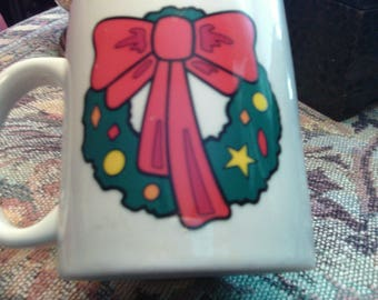 Free Shipping.. Christmas Wreath Cup