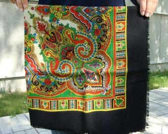 Ukrainian shawl, Russian shawl, Ukrainian shawl, Wool floral scarf, floral shawl, vintage shawl