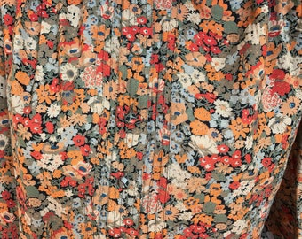 Authentic vintage ditzy fall floral 80's blouse with contrast collar size 10/12