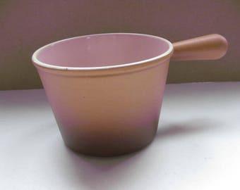 LE CREUSET! Vintage French cast iron fondue pot.