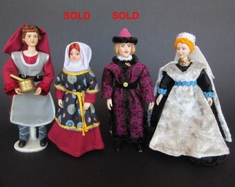 Miniature MEDIEVAL handmade doll in 1:12 scale for dollhouse by Paola&Sara Miniature - Dolls, dollshouse, 1/12
