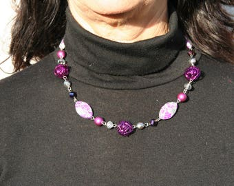 Short necklace, purple and gray