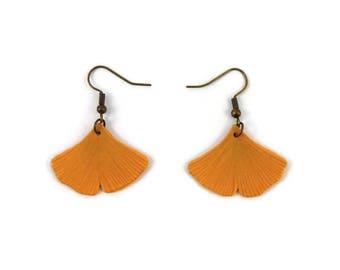 Boucles d'oreille feuilles de ginkgo biloba jaunes, boucles d'oreille feuilles d'automne, boucles d'oreille en plastique peint (CD recyclé)