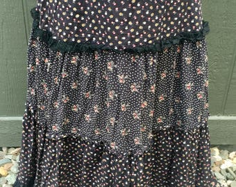 Jessica's Gunnies ~ Maxi Skirt ~ Calico Floral w/ Lace in Black ~ Pink White Yellow Green Flower Details ~ True Vintage 70's Hippie Boho