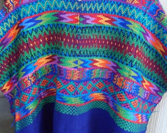 Vintage Cotton HUIPIL Tunic Textile Hand Embroidered  Nahualá size L, Poncho Sweater gorgeous!