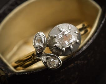 Antique Georgian Diamond Flower Ring in 18k Gold and Silver, c1830