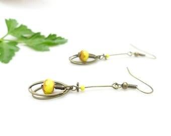 Earrings fine retro look. Yellow Bohemian beads