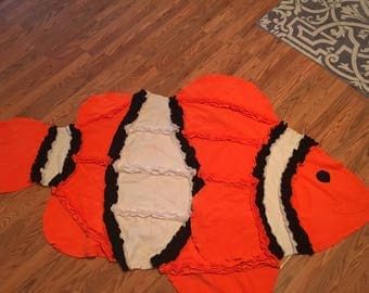 Fleece fish blanket throw