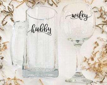 Wifey Wine Glass & Hubby Beer Mug Gift Set, Wedding Glasses, Great Gift for a Couple, Bridal Shower Gifts, Wine Glass, Beer Mug