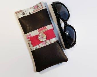 Etui à lunettes simili marron intérieur tissu thème boite à couture
