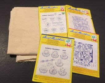 Set of 4 Aunt Martha Fabric Transfers plus muslin fabric