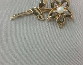 Faux pearl and rhinestone flower brooch