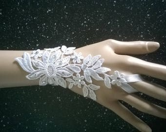 fingerless gloves, pair of holiday evening ceremony silver rhinestones floral white lace wedding Bridal Gloves